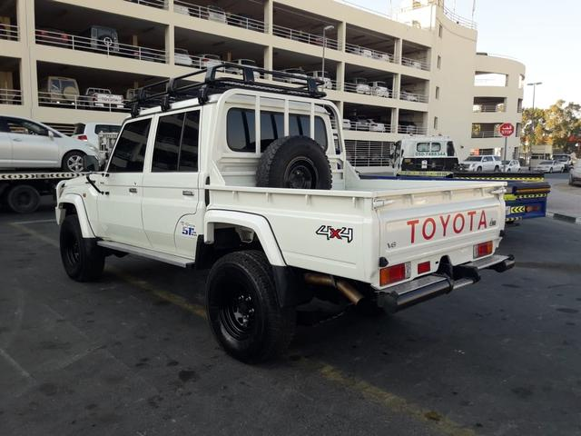 2014 Toyota Land Cruiser p/up